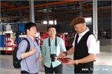 长鸿机械董事长柯景鸿与华人螺丝环球考察团成员交流