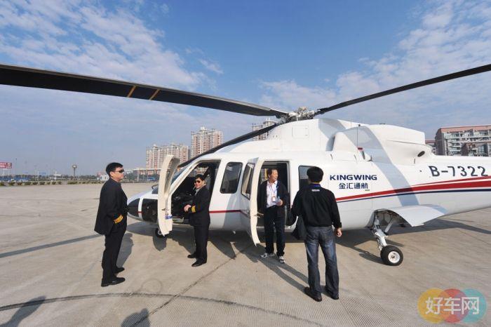 """2010年8月""""中国上海上与私人飞机展""""是中国大陆第一"""