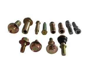 各类非标螺栓.