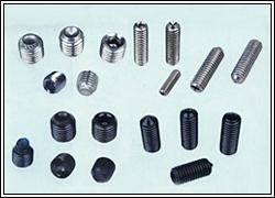 天津泛易供应ASTM、A193、B7、B7M、B8、B8M、B16、圆杯(ISO7380).平杯(DIN7991)塞打螺丝(ISO7379).管堵。
