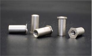 厂家热销压铆六角304不锈钢通孔螺柱压铆螺柱 SOS-M2M2.5M3/3.5M3/M4M5M6M8