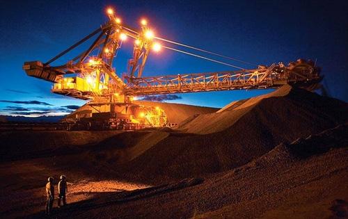 2016年中国进口铁矿石首次破十亿吨