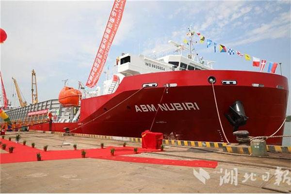 武船造国内首艘全自主散货船交付 小到一颗螺丝钉都是国产