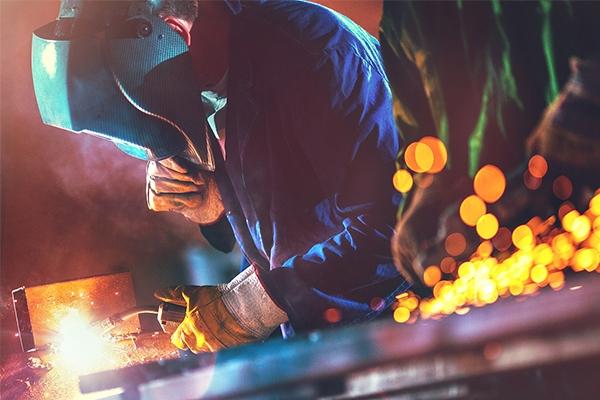 钢厂最高大涨130!螺纹冲上4600,钢价再看涨!
