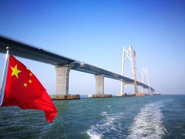 港珠澳大桥今日正式开通 1200吨紧固件竟是宁波镇海造